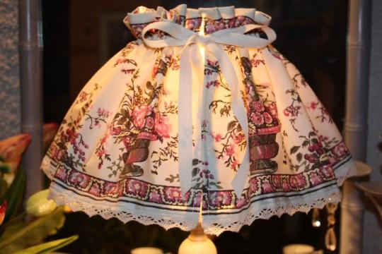 """Jupon abat-jour """"pour habiller une lampe en un clin d'œil"""""""